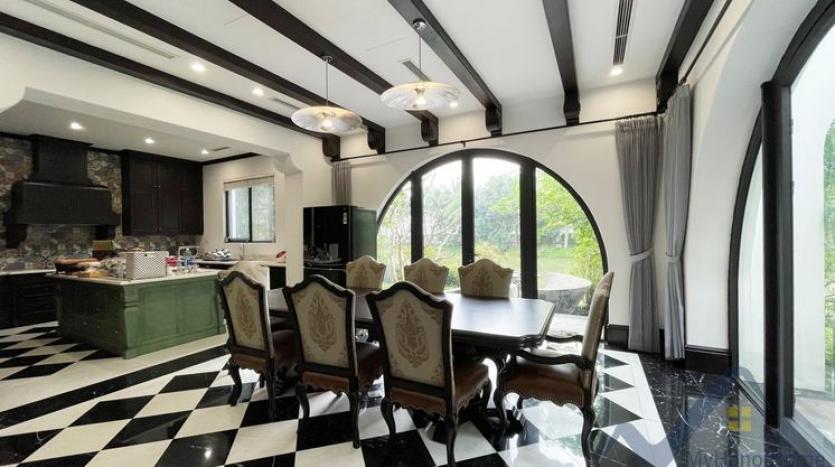 huge-garden-detached-villa-rent-in-vinhomes-riverside-hanoi-22