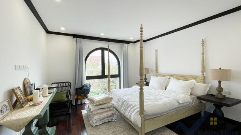 huge-garden-detached-villa-rent-in-vinhomes-riverside-hanoi-31