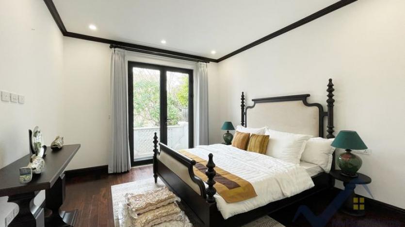 huge-garden-detached-villa-rent-in-vinhomes-riverside-hanoi-32