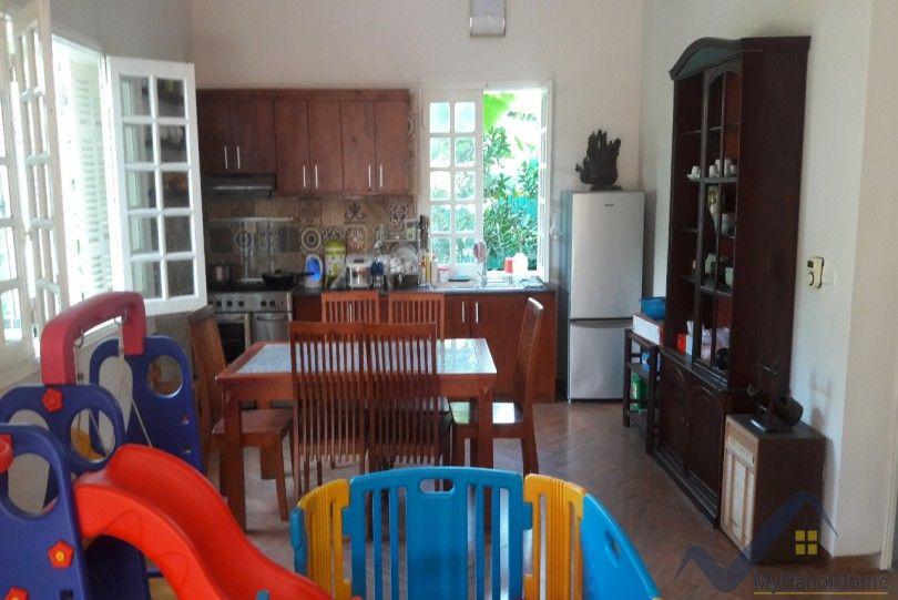 Huge garden house to rent in Ngoc Thuy Long Bien River view