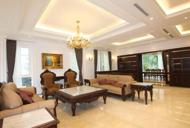 Huge villa in Vinhomes Riverside Hanoi to rent near BIS