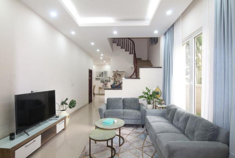 Furnished house in Vinhomes Riverside Long Bien rent in Hoa Sua