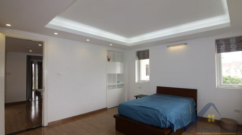 indoor-swimming-pool-vinhomes-riversie-villa-for-rent-with-4-beds-17