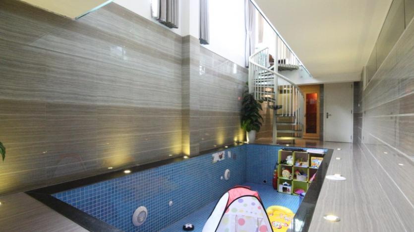 indoor-swimming-pool-vinhomes-riversie-villa-for-rent-with-4-beds-21