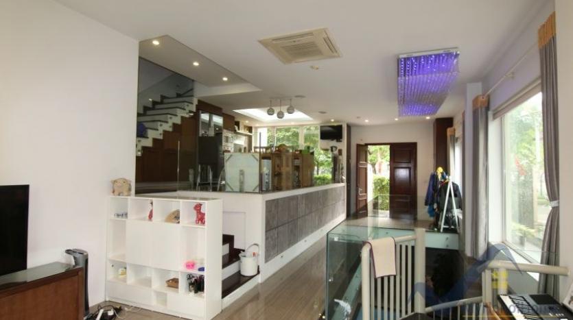 indoor-swimming-pool-vinhomes-riversie-villa-for-rent-with-4-beds-6