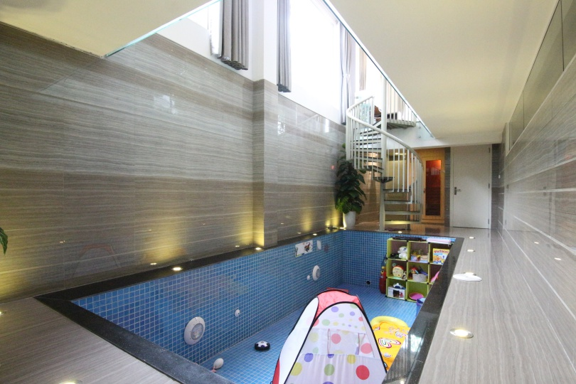 Indoor swimming pool Vinhomes Riversie villa for rent with 4 beds