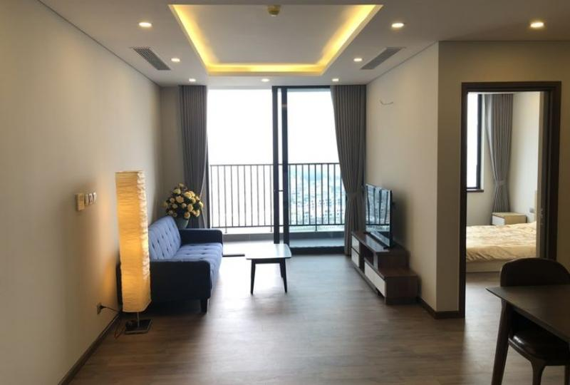 Lake view 2beds apartment in Ngoai Giao Doan urban furnished