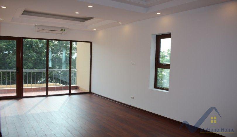 Lake view 3 bedroom house to let To Ngoc Van Tay Ho