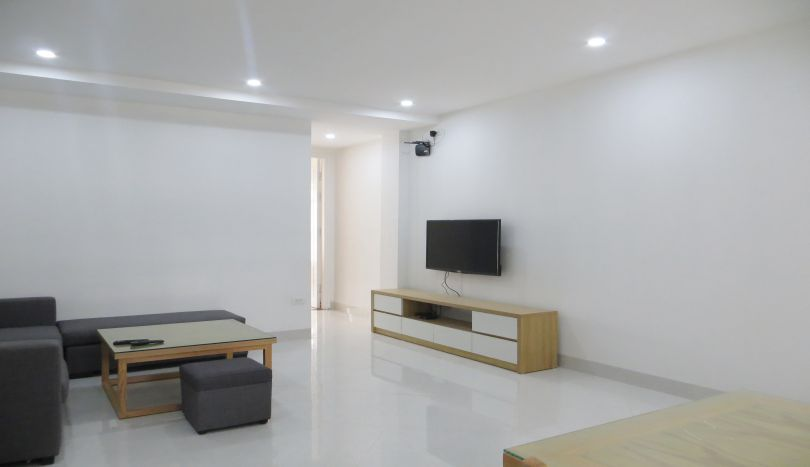 Lake view apartment for rent in Tay Ho, 1 bed 1 shower