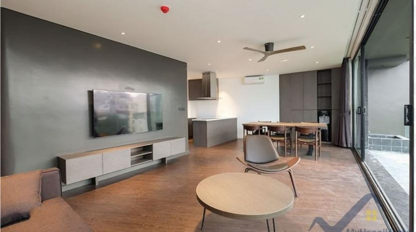 lake-view-apartment-for-rent-truc-bach-hanoi-2-bedrooms-2