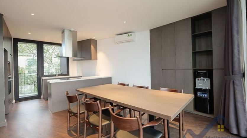lake-view-apartment-for-rent-truc-bach-hanoi-2-bedrooms-5