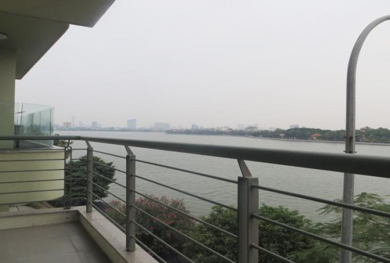 Lake view balcony 2 bedroom apartment to rent in Tay Ho