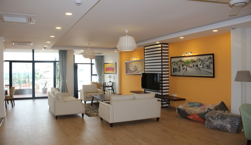 Lake view balcony 4 bedroom Tay Ho apartment rental with furnished