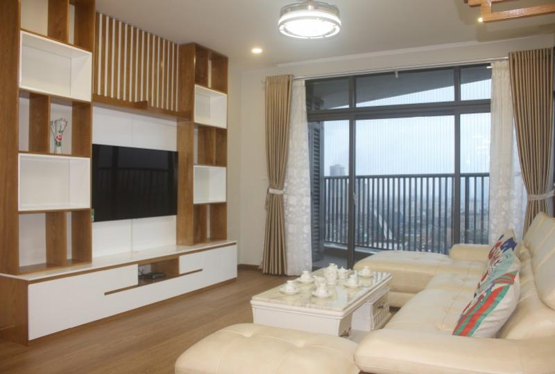 Lake view furnished 3BR apartment to rent Discovery Complex Cau Giay