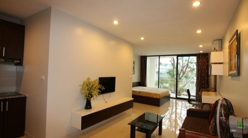 lake-view-renting-a-studio-apartment-in-truc-bach-hanoi-2