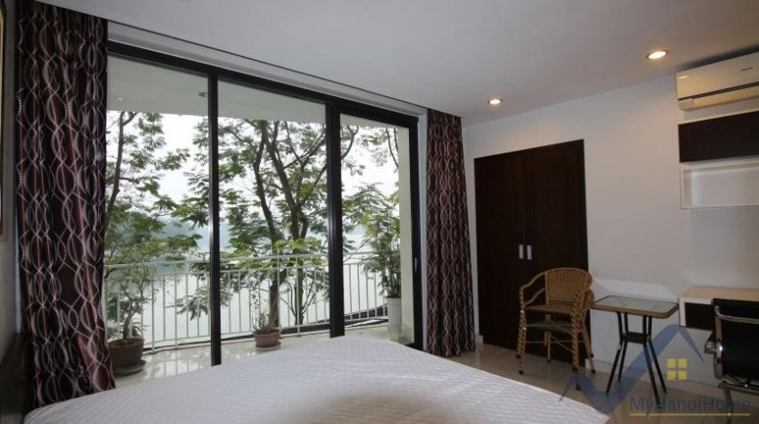 lake-view-renting-a-studio-apartment-in-truc-bach-hanoi-4