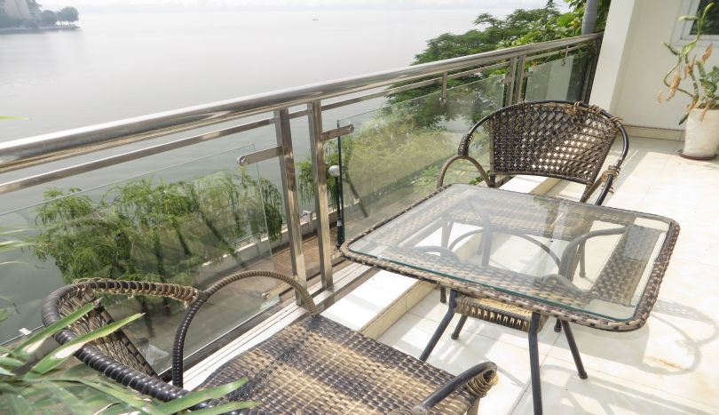 Lake view, terrace 3 bedroom apartment to rent in Tay Ho