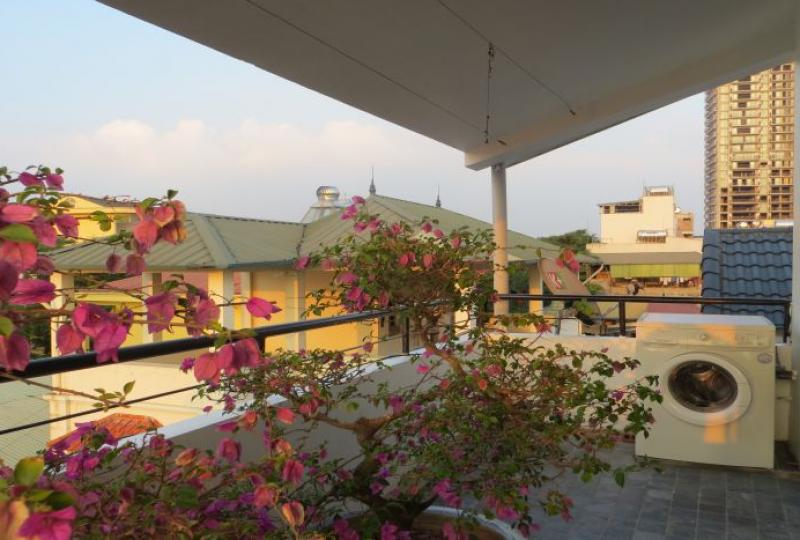 Lake view terraced house for rent in Tay Ho, fully furnished