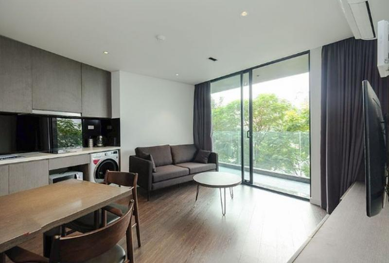 Lake view apartment in Truc Bach Hanoi for rent with 01 bedroom