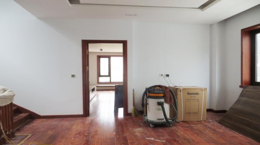 large-garden-detached-villa-for-rent-in-vinhomes-riverside-19