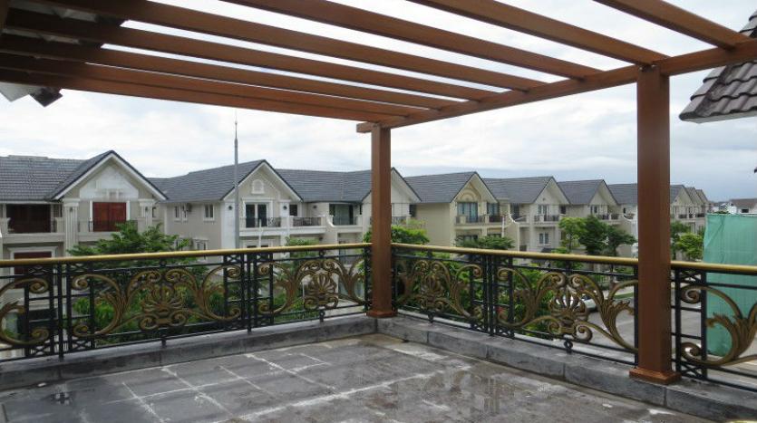 large-garden-detached-villa-for-rent-in-vinhomes-riverside-26