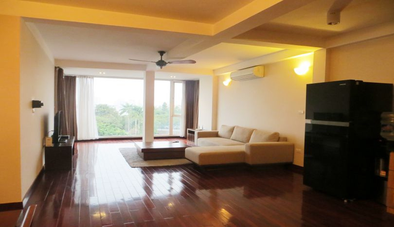 Living space 150m2, 3 bedroom apartment for rent in Tay Ho