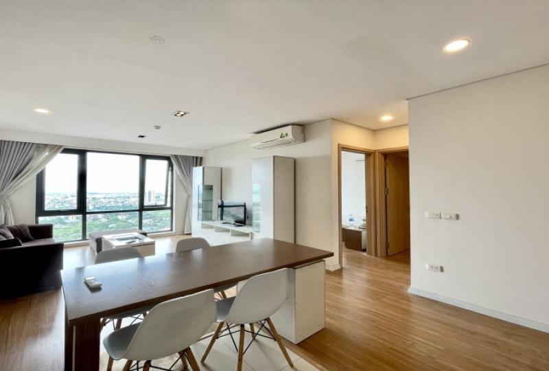 Long Bien 2 bedroom apartment for rent in Mipec Riverside