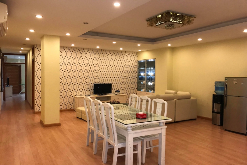 Long Bien 2 bedroom apartment to rent, full services