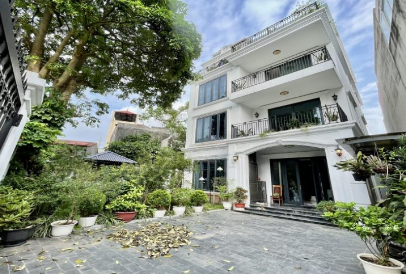 Long Bien house rental with 3 bedrooms in Ngoc Thuy street