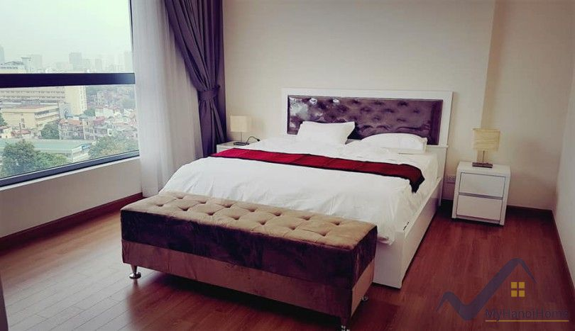 Luxury 3 bedroom apartment to rent in Vinhomes Nguyen Chi Thanh