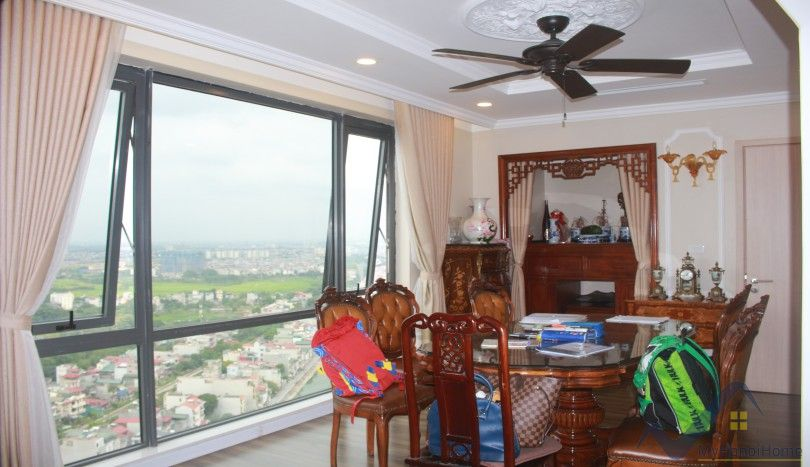 Luxury furnished 3 bedroom apartment in Mipec Riverside to rent