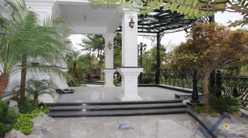 luxury-vinhomes-riverside-villas-rental-near-jura-park-4-bedrooms-1
