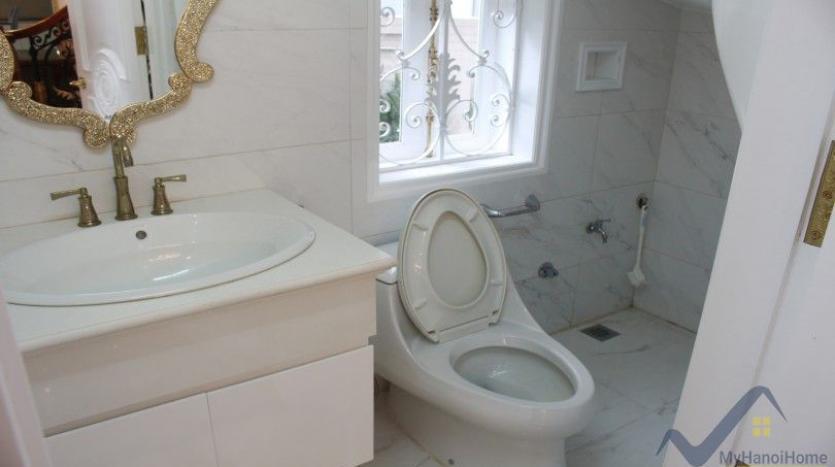 luxury-vinhomes-riverside-villas-rental-near-jura-park-4-bedrooms-10