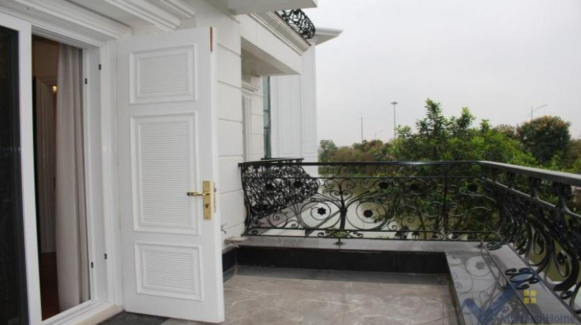 luxury-vinhomes-riverside-villas-rental-near-jura-park-4-bedrooms-16