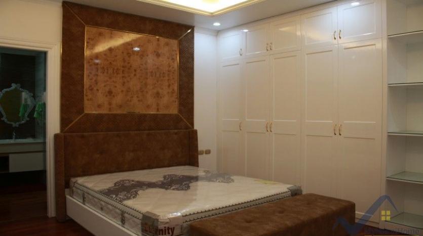 luxury-vinhomes-riverside-villas-rental-near-jura-park-4-bedrooms-17