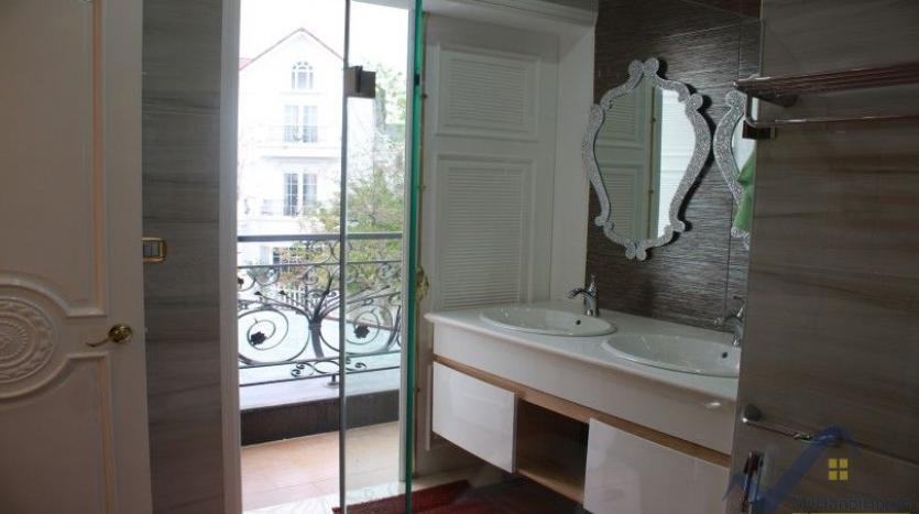 luxury-vinhomes-riverside-villas-rental-near-jura-park-4-bedrooms-20