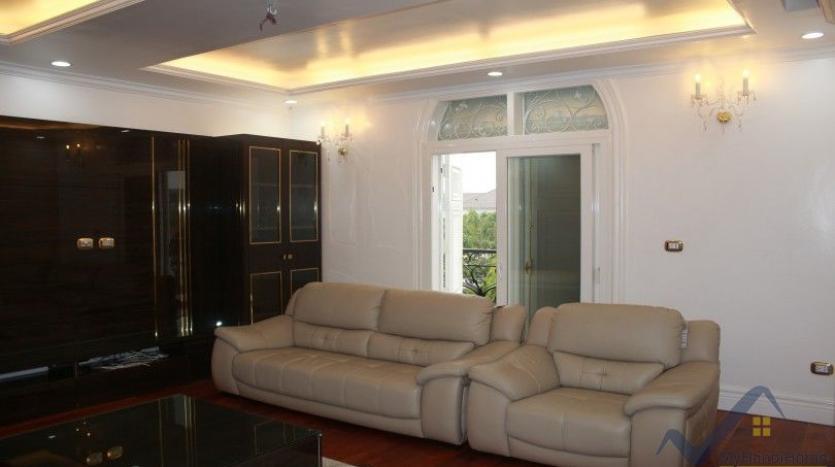luxury-vinhomes-riverside-villas-rental-near-jura-park-4-bedrooms-21