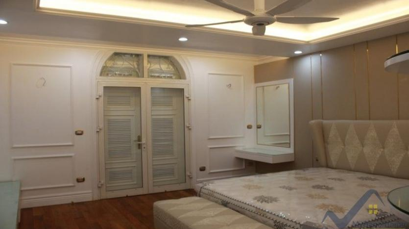 luxury-vinhomes-riverside-villas-rental-near-jura-park-4-bedrooms-25
