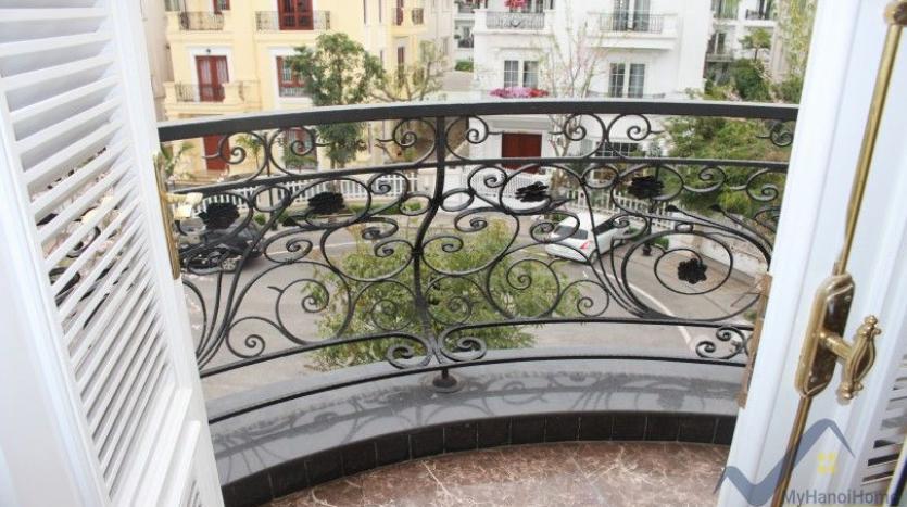 luxury-vinhomes-riverside-villas-rental-near-jura-park-4-bedrooms-27