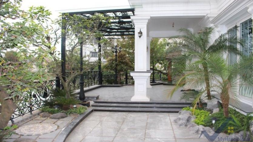 luxury-vinhomes-riverside-villas-rental-near-jura-park-4-bedrooms-3