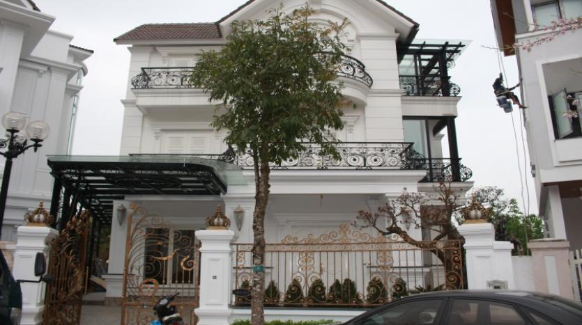luxury-vinhomes-riverside-villas-rental-near-jura-park-4-bedrooms-33