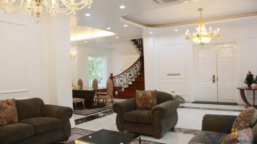 luxury-vinhomes-riverside-villas-rental-near-jura-park-4-bedrooms-5