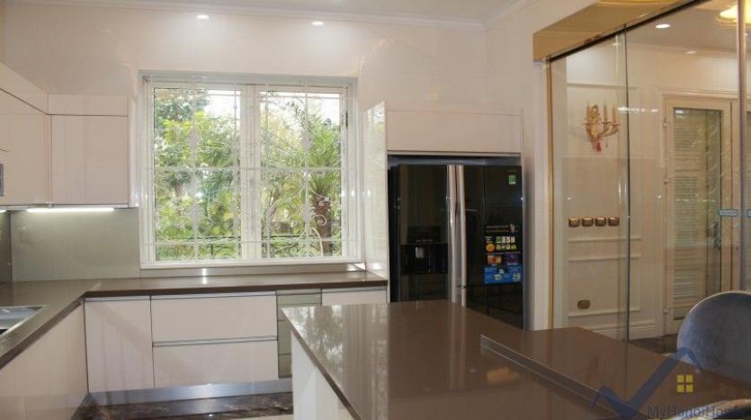 luxury-vinhomes-riverside-villas-rental-near-jura-park-4-bedrooms-8