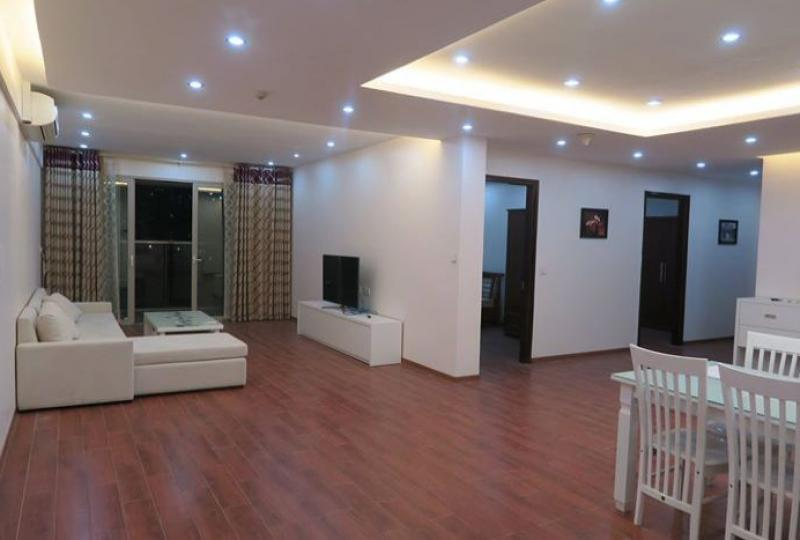 Mandarin Garden 3 bedroom apartment to rent, corner position