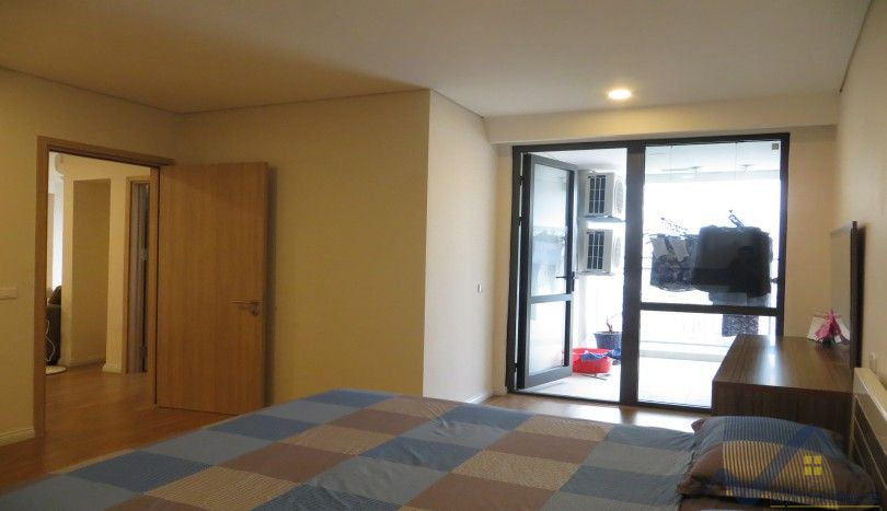 Mipec Riverside apartment with 3 bedrooms, 125m2, 900$