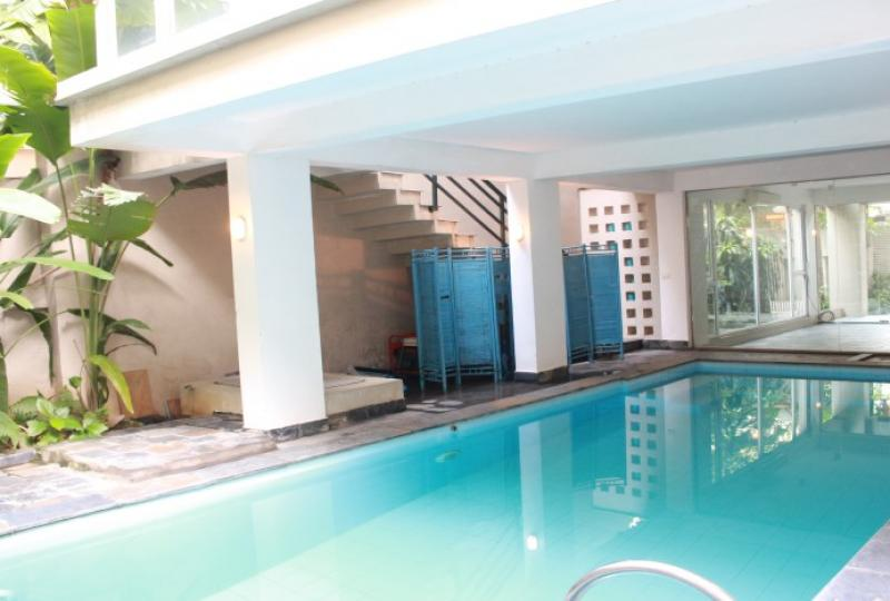 Modern 5 bedroom villa for rent in Tay Ho swimming pool