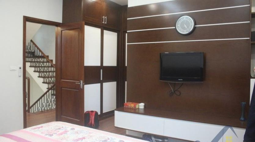 modern-furnished-3-bed-house-in-vinhomes-harmony-hanoi-for-rent-10
