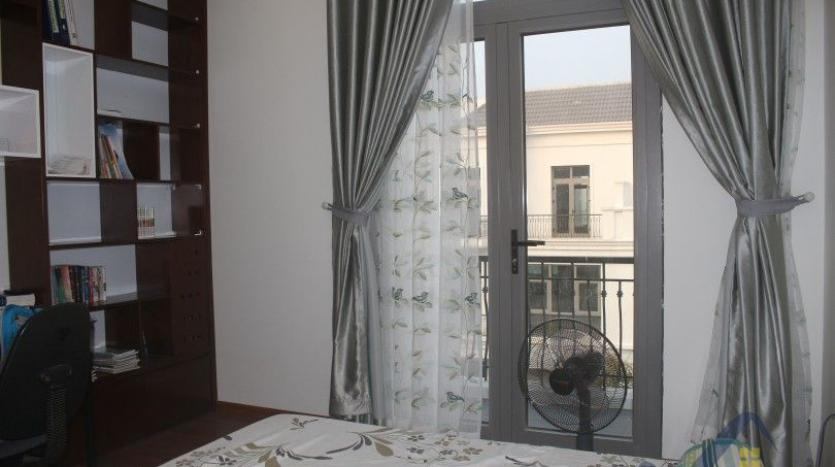 modern-furnished-3-bed-house-in-vinhomes-harmony-hanoi-for-rent-14