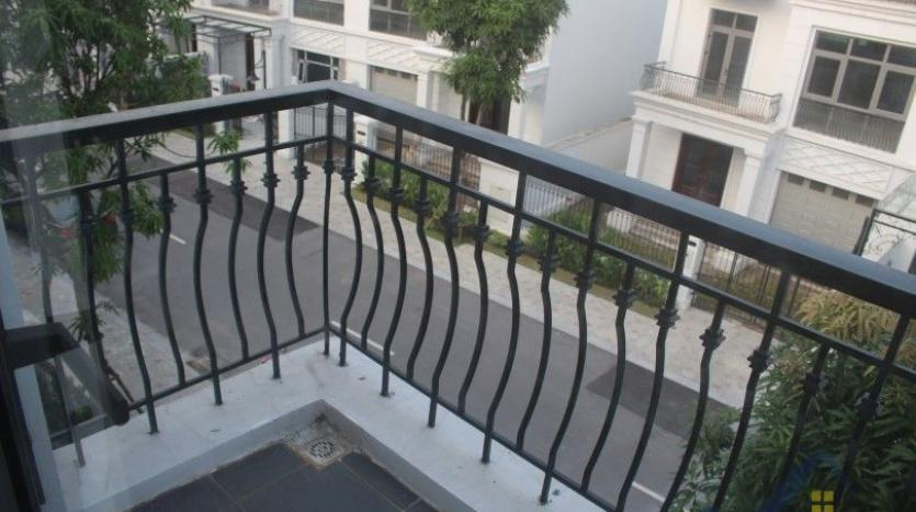modern-furnished-3-bed-house-in-vinhomes-harmony-hanoi-for-rent-16