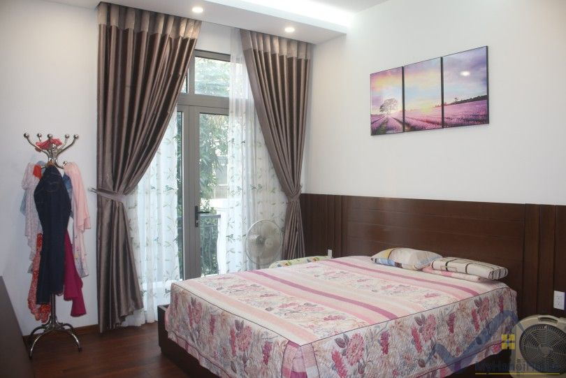 Modern furnished 3 bed house in Vinhomes Harmony Hanoi for rent